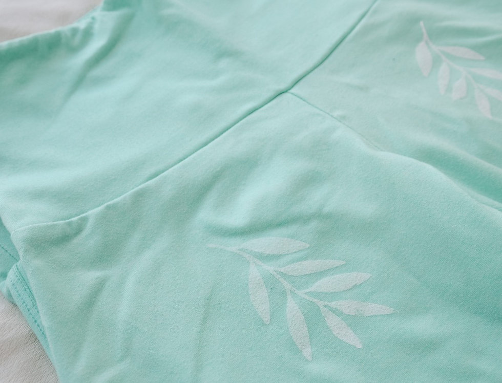 Turquoise leaf leggings