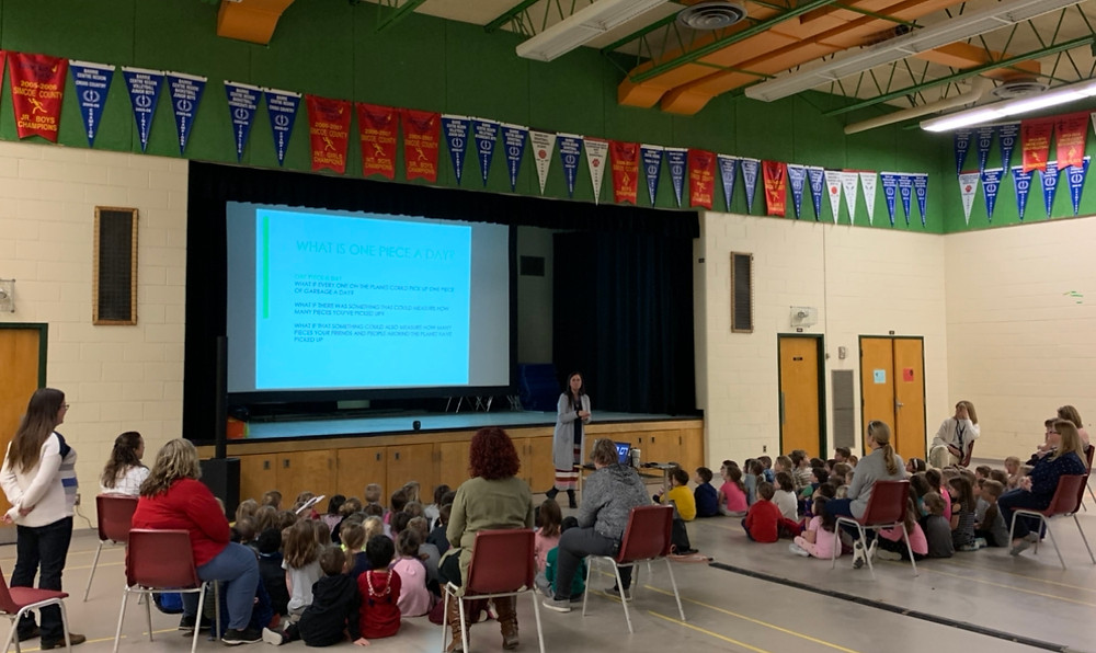 OnePieceADay teaching children about environmental sustainability at Forest Hill Public School