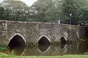 Lostwithiel-medieval-bridge
