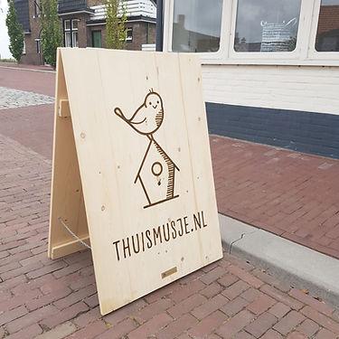 stoepbord-hout-gravering-houten