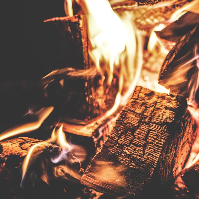 bonfire-burn-burning-167701.jpg