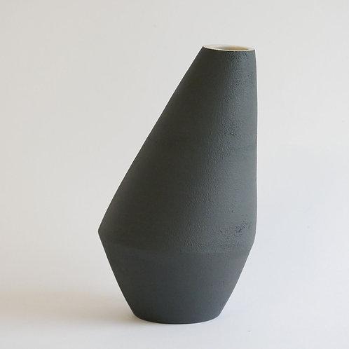 Vase asymétrique noir
