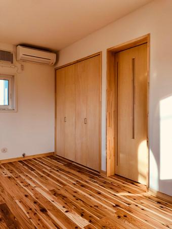 2階寝室クローゼット