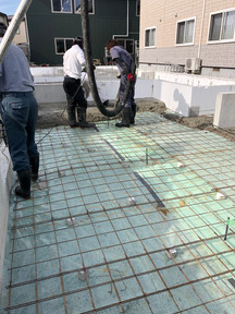 土間防湿コンクリート打設.jpg