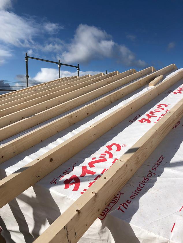予備防水タイベックの上垂木施工.jpg