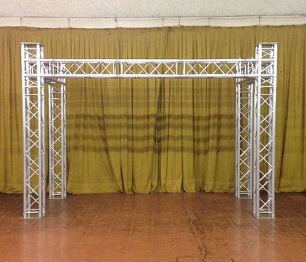 Structure alu pro DJ- Des Lyres en Musique