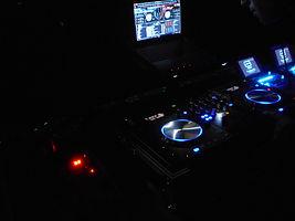 Logiciel DJ en soirée