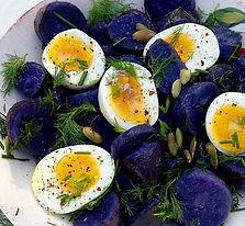 Fioletowa sałatka z jajkiem.jpg