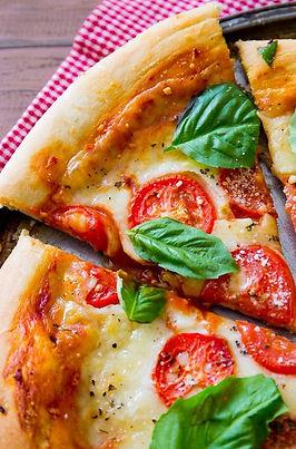 Margherita-Pizza 1.jpg