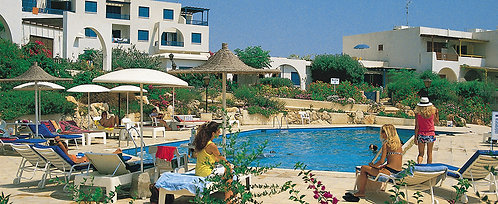 Căn hộ tầng trệt sang trọng 2 PN Kings Gardens - Kato Paphos, CH Síp