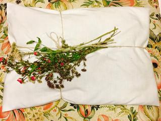 DEI CUSCINI PROFUMATI E FATATI                           HerbalSleep Pillows
