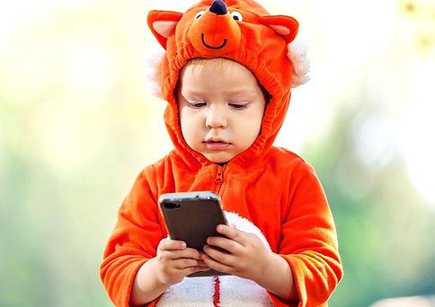 Kid%2520on%2520phone%2520costume_edited_