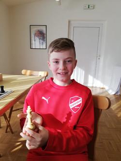 Jugendschachspieler Noah
