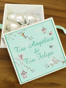 Caixa Mini-Elegance Quadrada com 15 mini Coração Belga