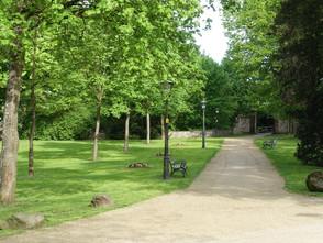 Abgangsklassen der Gesamtschule Gedern zu Besuch im ehemaligen KZ Buchenwald  Eine Reise in die Verg