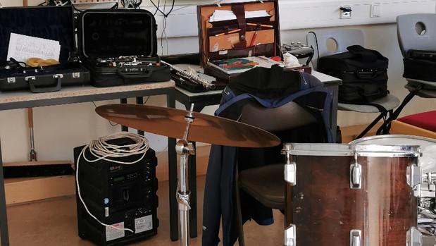 Nachwuchsmusiker gesucht – 5 Klässler bestaunen Musikinstrumente