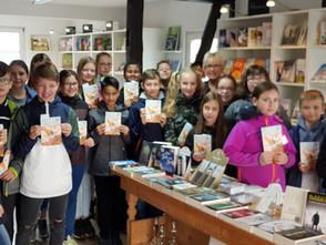 """""""Ich schenk dir eine Geschichte """" Welttag des Buches : Buchgeschenke für die Fünftklässler der Gesam"""
