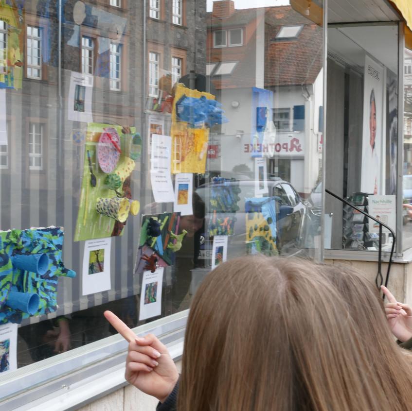 Kunstausstellung im Gederner Schaufenste