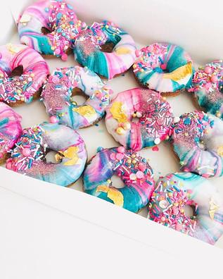 Pretty lil donuts 💖🍬😌✌🏻_#fromscratch