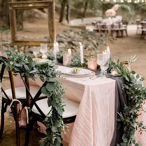 Sweetheart table & chair garlands 💚_._.