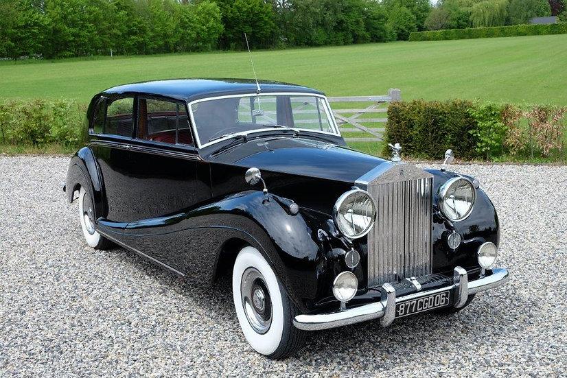 Rolls-Royce Silver Wraith Touring Limousine LWB