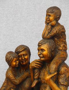 Dave & Connie Goertzen Family (Closeup)