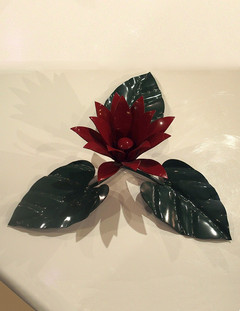 Table Top Ornament (red & green)