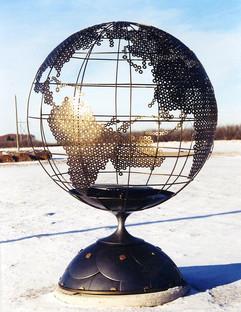 Globe (sunny winter's day)