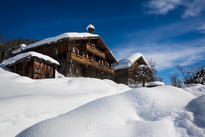 chalets-ski-snow-ip_edited.jpg