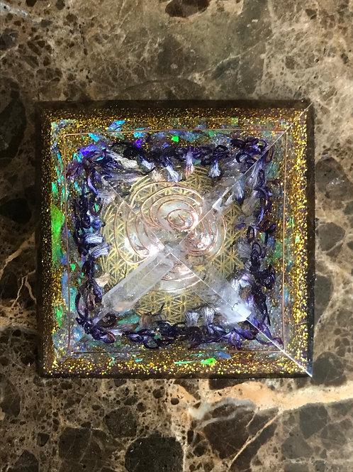 Four Side Pyramid | Hyacinth