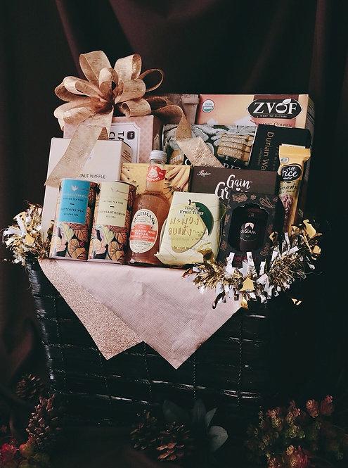 1021NY1902 - C19-1 NY Gift Basket L Black-Gold
