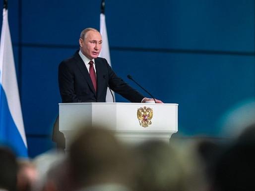 Президент России идею внесения в Конституцию норму об уважении к людям труда