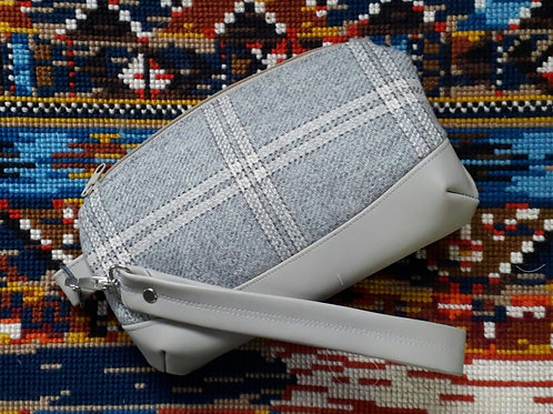 """Clematis Wristlet"" - Grey Tweed"
