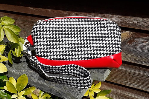 """Clematis Wristlet"" - Black and White Houndstooth"