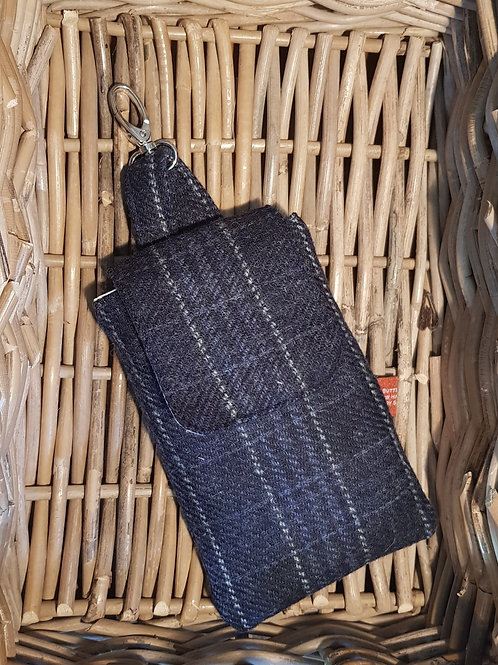 Clip On Pouch Large - Navy Check