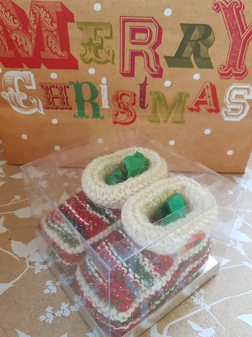 Medium Multi and White Christmas Cosy Toes