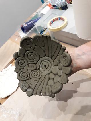 12-11-2020: Modelliamo o decoriamo la ceramica