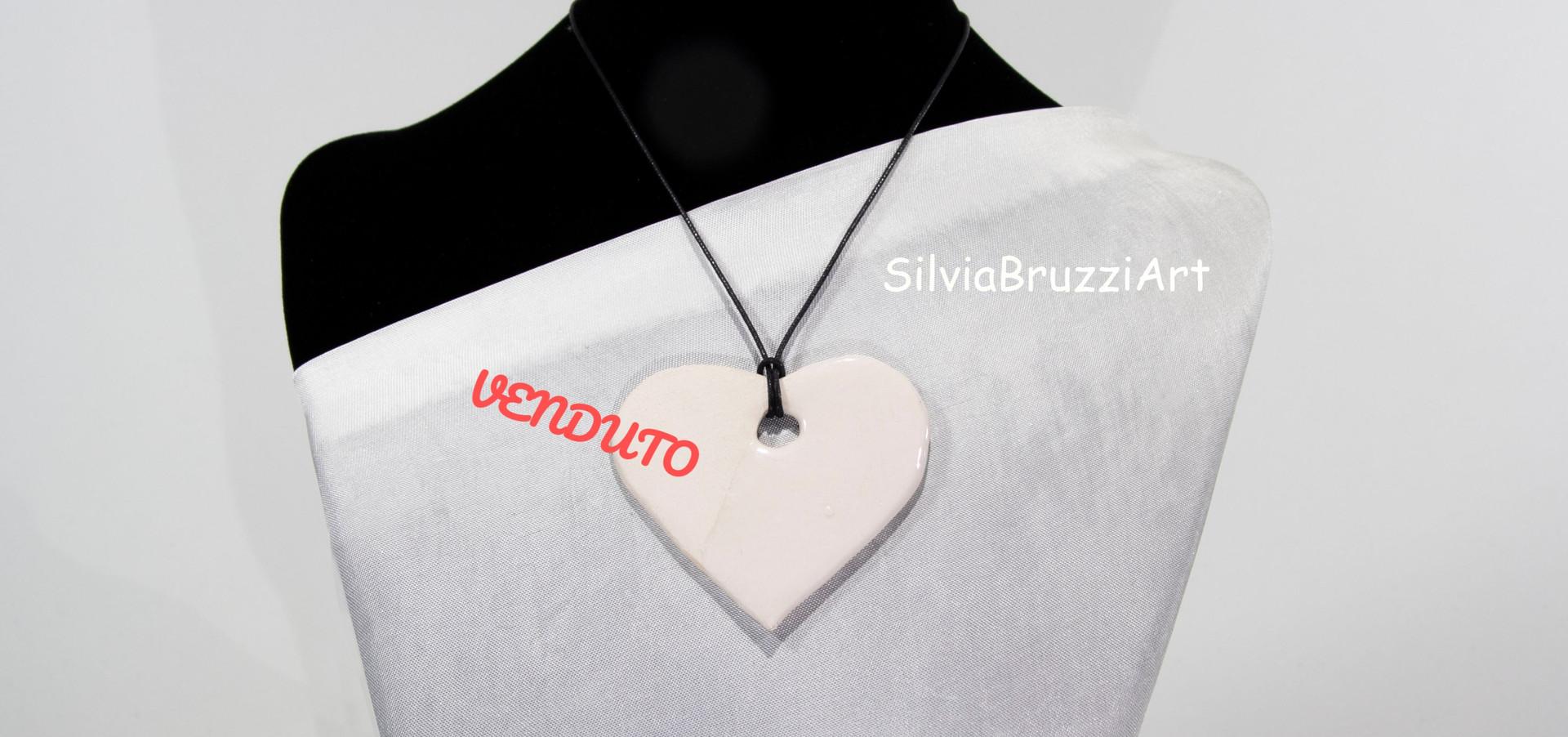cuore ceramica bianca