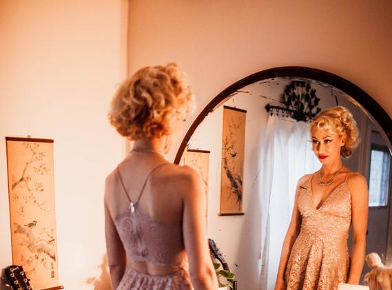 Lesley Mirror.jpg