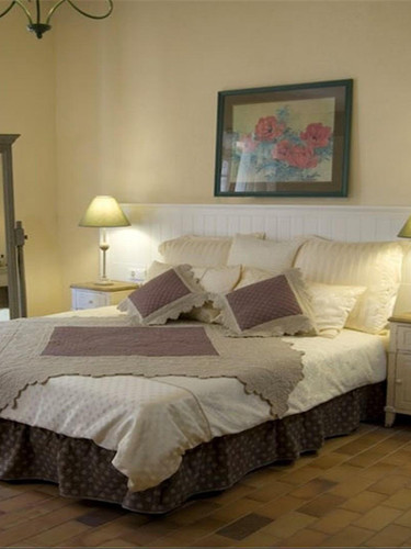 France bedroom.jpg