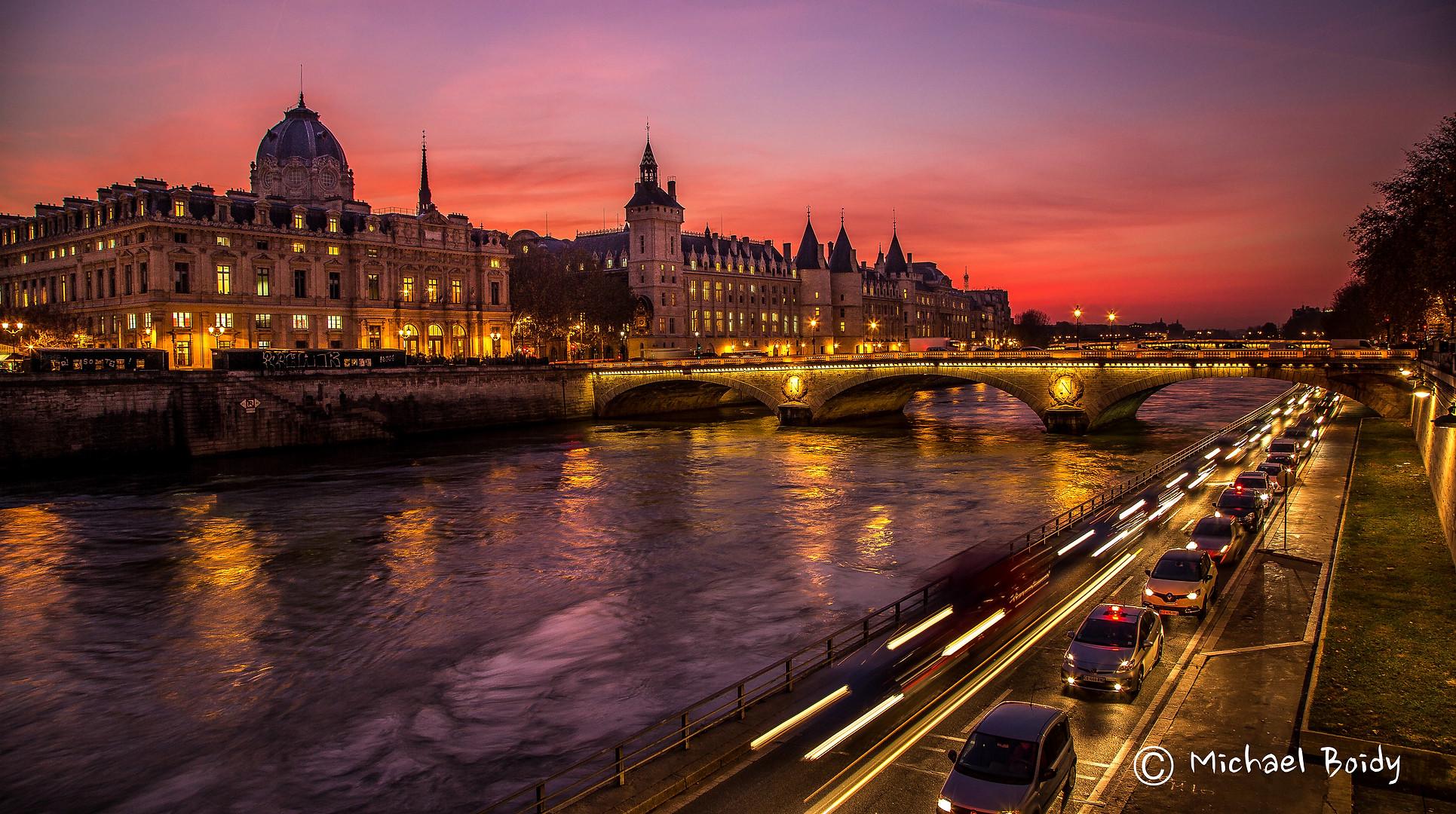 Mike 6 Paris.jpg