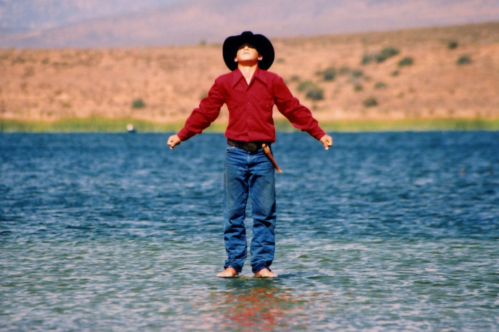 Searchlight Billy on water closeupHQ.jpg