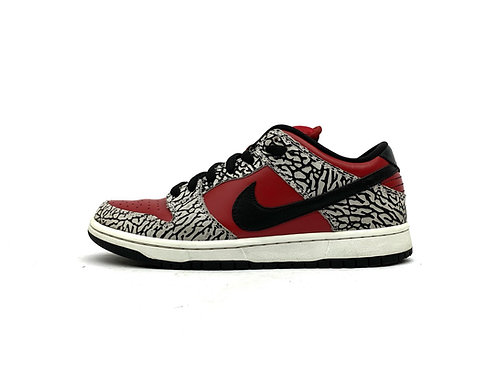 "Nike SB Dunk Low Supreme ""Red Cement"""