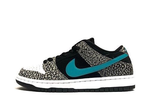 """Nike SB Dunk Low Pro """"Atmos"""""""