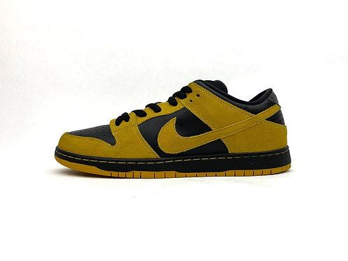 "Nike SB Dunk Low ""Iowa"""