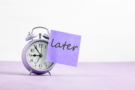 AdobeStock_209129911 - Later clock - pur