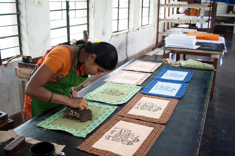 MESH provides, design, marketing and capacity building support to the Rehab and training unit in Hubli Hospital for the Handicapped so that they can produce high quality handicrafts including block printed textilesfor sale around the world.