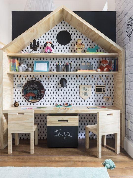 Escrivaninha casinha. Projeto: Studio AR Design.