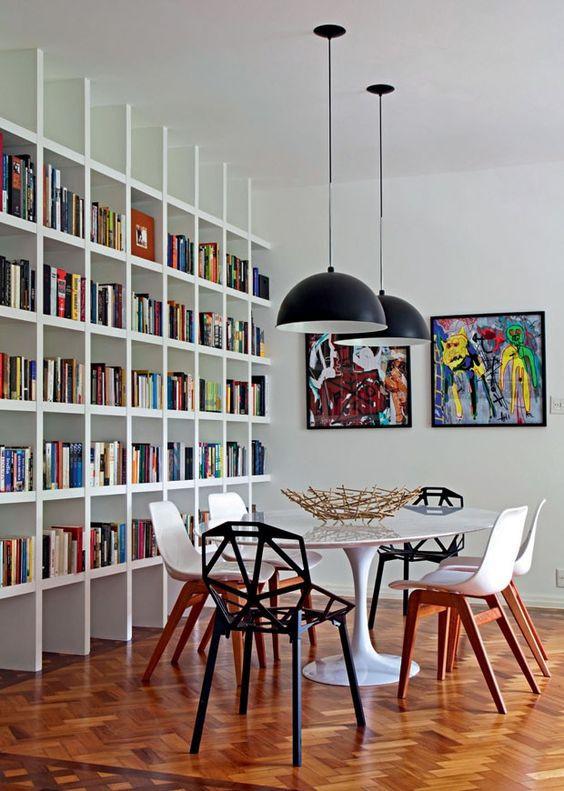 Cadeiras da ponta diferentes. Projeto: Mauricio Nóbrega.