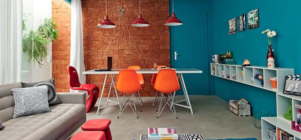 Salas azul, laranja e vermelho. Projeto: Maria Eunice Fernandes.